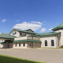 Days Inn & Suites Winkler
