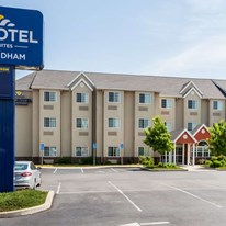 Microtel Inn & Suites Dickson