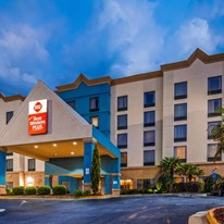 Best Western Plus Hotel & Suites Airport