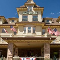 The Cliff House Inn at Pikes Peak