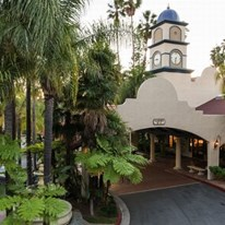 Vanllee Resort & Suites, Covina