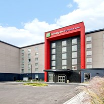 Holiday Inn Express & Suites Oshawa