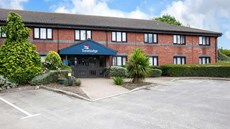 Travelodge-Capel