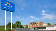 Baymont Inn & Suites Grand Rapids
