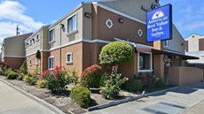 Americas Best Value Inn and Suites Arpt