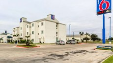 Motel 6 Pharr