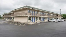 Motel 6 Kansas City North Airport