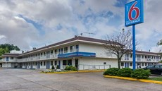 Motel 6 Fredericksburg - North