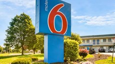 Motel 6 Kansas City Lenexa