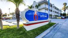 Motel 6 Oceanside East