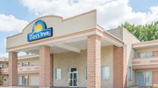 Days Inn St. Louis North