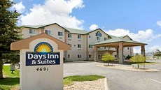 Days Inn & Suites Castle Rock