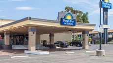 Days Inn & Suites San Diego E / El Cajon
