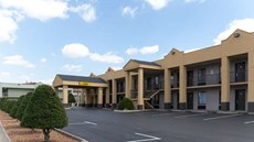 Super 8 Clarksville Northeast