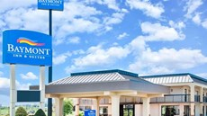 Baymont Inn/Suites Clarksville Northeast