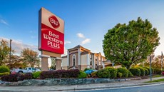 Best Western Plus Greensboro/Coliseum Ar