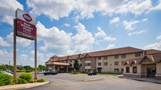 Best Western Plus Burlington Inn & Suite