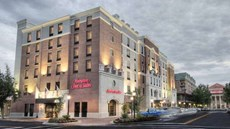 Hampton Inn & Suites Gainesville-Downtow