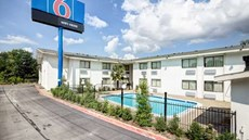 Motel 6 Dallas South