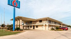 Motel 6 San Antonio - South WW White Rd