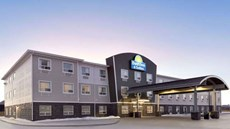 Days Inn & Suites Warman Legends Ctr