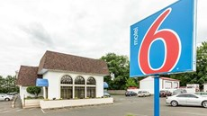 Motel 6 Warminster, PA