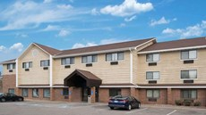 Baymont Inn & Suites Bloomington MSP Apt