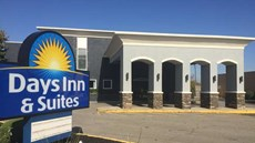 Days Inn & Suites Cincinnati North