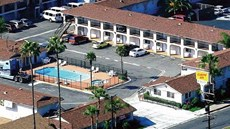 Colony Inn & Suites