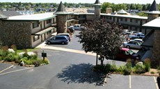 Weathervane Terrace Inn & Suites