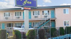Riverside Inn & Suites