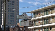 Savannah Suites Pine St