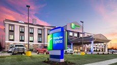Holiday Inn Express Hutchinson