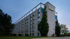 Radisson Hotel At The University