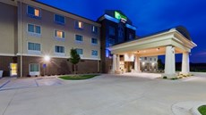 Holiday Inn Express Suites Salina