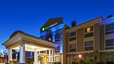 Holiday Inn Express Inn & Suites