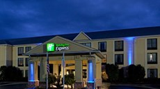 Holiday Inn Express CLT Arpt Belmont