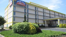 Airport Plaza Hotel Roanoke