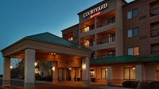 Courtyard by Marriott St Charles