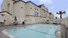 Red Roof Inn & Suites Corpus Christi