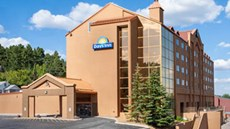 Days Inn Lead