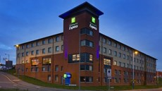 Holiday Inn Express London-Luton Airport