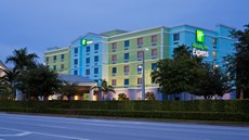 Holiday Inn Express & Stes Air/Sea Port