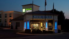 Holiday Inn Express Hickory Mart
