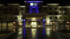 Holiday Inn Express & Suites Goldsboro