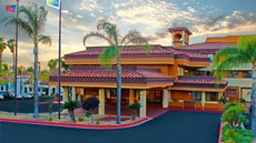 Mulberry Life Inn & Suites Moreno Valley