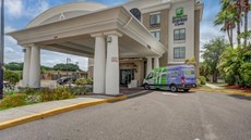 Holiday Inn Express USF-Busch Gardens