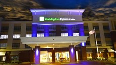 Holiday Inn Express & Suites Perrysburg