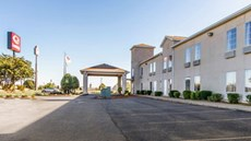Broadbent Inn & Suites