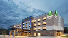 Holiday Inn Express & Suites Riverfront